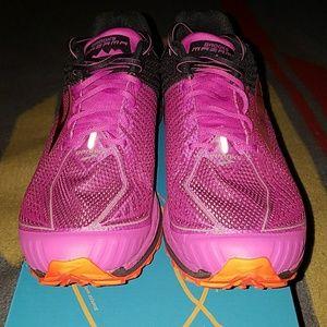 66db075105a91 ... Nike Air Max 2011 Brooks Mazama Running Sneakers ...